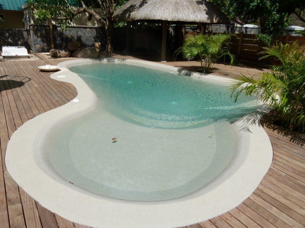Il blog lo sapio pools piscine interrate skimmer a for Riparare piscina