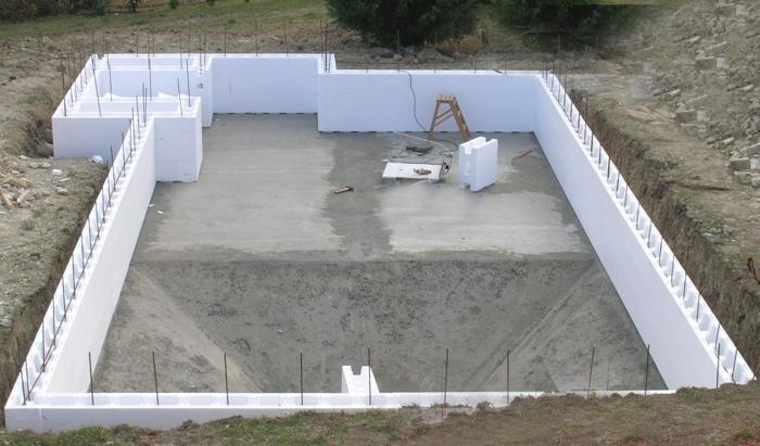 Piscine isoblock lo sapio pools for Costi di costruzione della piscina